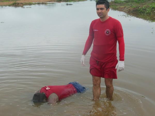 Bombeiros de Iguatu localizam corpo de jovem desaparecido em rio Jaguaribe