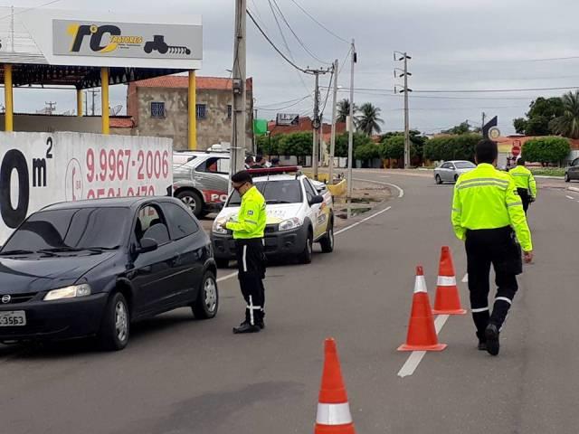 Resultado de imagem para trânsito no centro de Iguatu